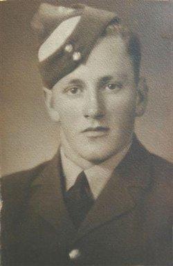 Flying Officer Mervyn Mills