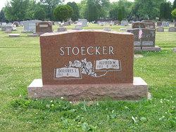 Delores Lorena <i>Hau</i> Stoecker