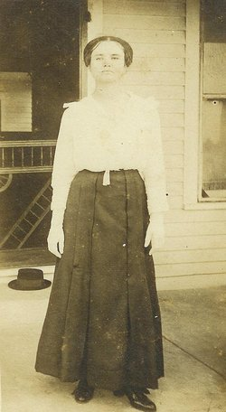 Mrs Vesta C. Vestie <i>McNeill</i> Ahrens