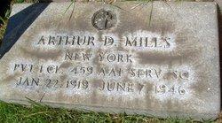 Pfc Arthur D Mills