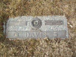 Mildred L <i>Johnson</i> Davis