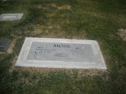 Dorothy June <i>Glade</i> Moss