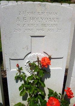 Rflmn Albert Edwin Holyoake