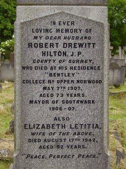 Robert Drewitt Hilton
