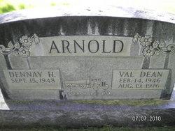 Val Dean Arnold