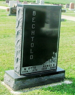 Agnes Rachel <i>Norris</i> Bechtold