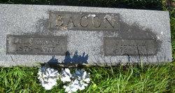 Lulu <i>Grove</i> Bacon