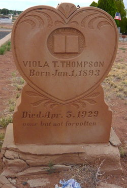Agnes Viola <i>Thomas</i> Thompson
