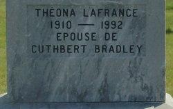 Th�ona <i>Lafrance</i> Bradley