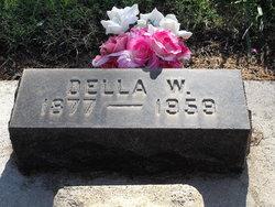 Della <i>Walker</i> Pieratt