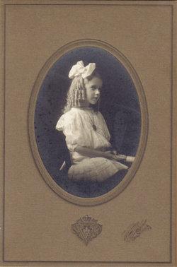 Geraldine Beatrice Jerri <i>Insprucker</i> Moore