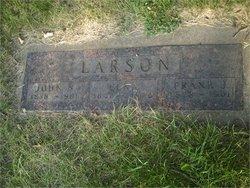 Elna <i>Munson</i> Larson