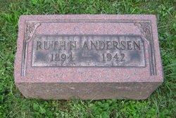Lillian Ruth <i>Hoagvall</i> Andersen