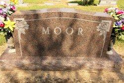 Halley Estes Moor