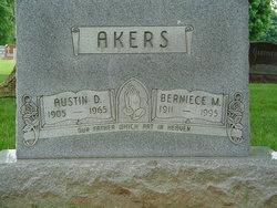 Berniece Marie <i>Kelly</i> Akers