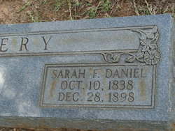 Sarah F <i>Daniel</i> Avery