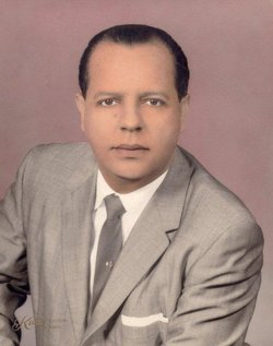 Roberto M Arzola