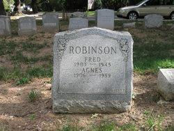 Agnes <i>Lindsay</i> Robinson