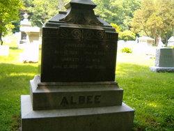 Harriet L Albee