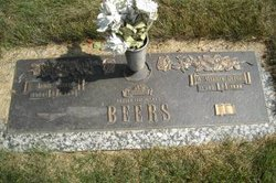 M Marilyn <i>DeFore</i> Beers