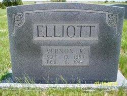 Vernon <i>Robertson</i> Elliott