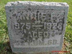 Annie E Pecht