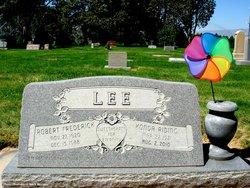 Konda <i>Riding</i> Lee