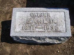 Earl D Bloom