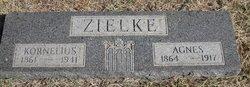 Agnes <i>Ediger</i> Zielke
