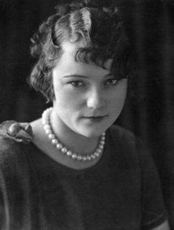 Lulu E. England