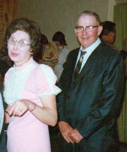 Dorothy Marie <i>Peters</i> Broeker