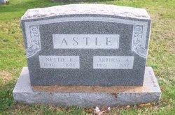 Nettie E Astle