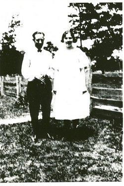 Harriet Cornelia Leola Leo <i>Basinger</i> Staggs