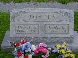 Everett E Boyles