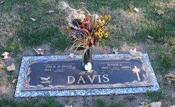 Beverly A. <i>VanDalsen</i> Davis
