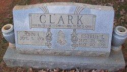 Estrue <i>Edwards</i> Clark