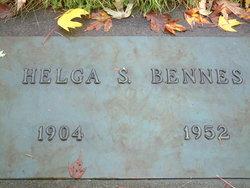 Helga <i>Olson</i> Bennes