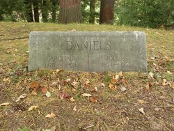Caroline Daniels