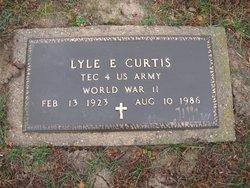 Lyle E Curtis