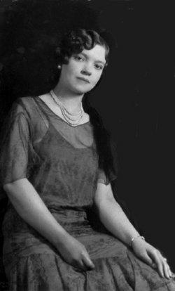 Frances E. <i>Kmiecik</i> Piet