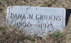 Dana Newton Giddens