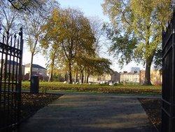 St Mary Newington Churchyard