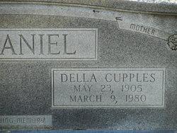 Della <i>Cupples</i> McDaniel