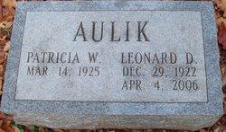 Leonard D Aulik