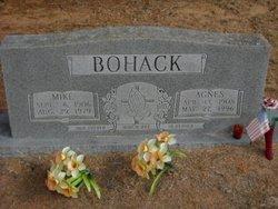 Agnes <i>Pavloch</i> Bohack