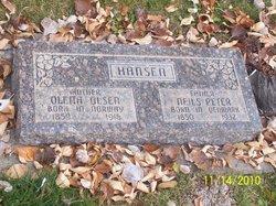 Olena <i>Olsen</i> Hansen