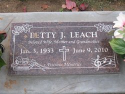 Betty Jo <i>Sloan</i> Leach