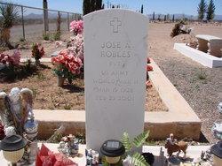 Jose A Robles