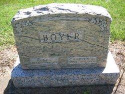Agnes <i>Maddux</i> Boyer