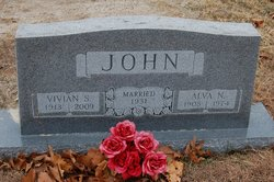Vivian <i>Smoot</i> John